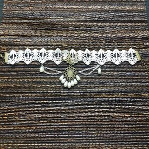 Hot Topic Jewelry - Sexy Hot Topic Crochet Feme Choker Necklace